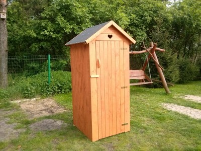 Czy na terenie działki rodzinnej w ROD może znajdować się wolno stojąca toaleta?